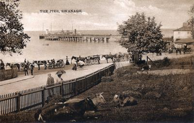 Swanage Pier Approach, c_1908 (2)